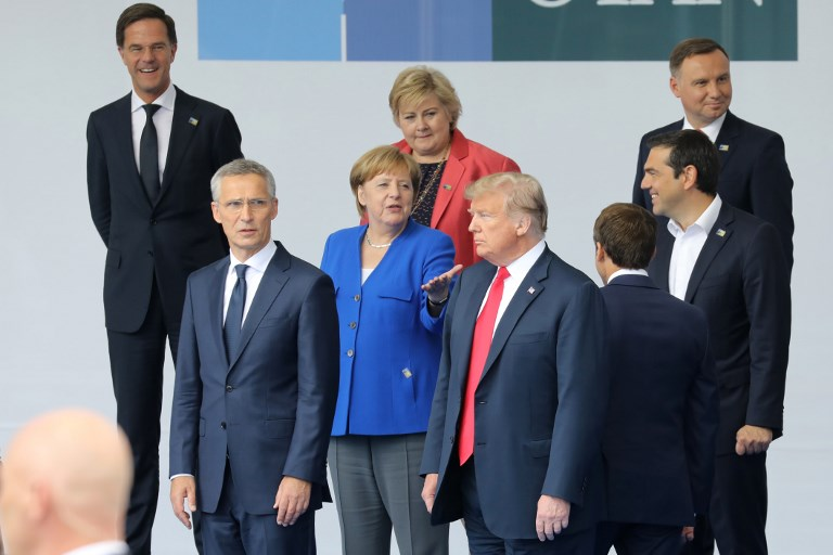 WEB_PHOTO_MERKEL_TRUMP_110718