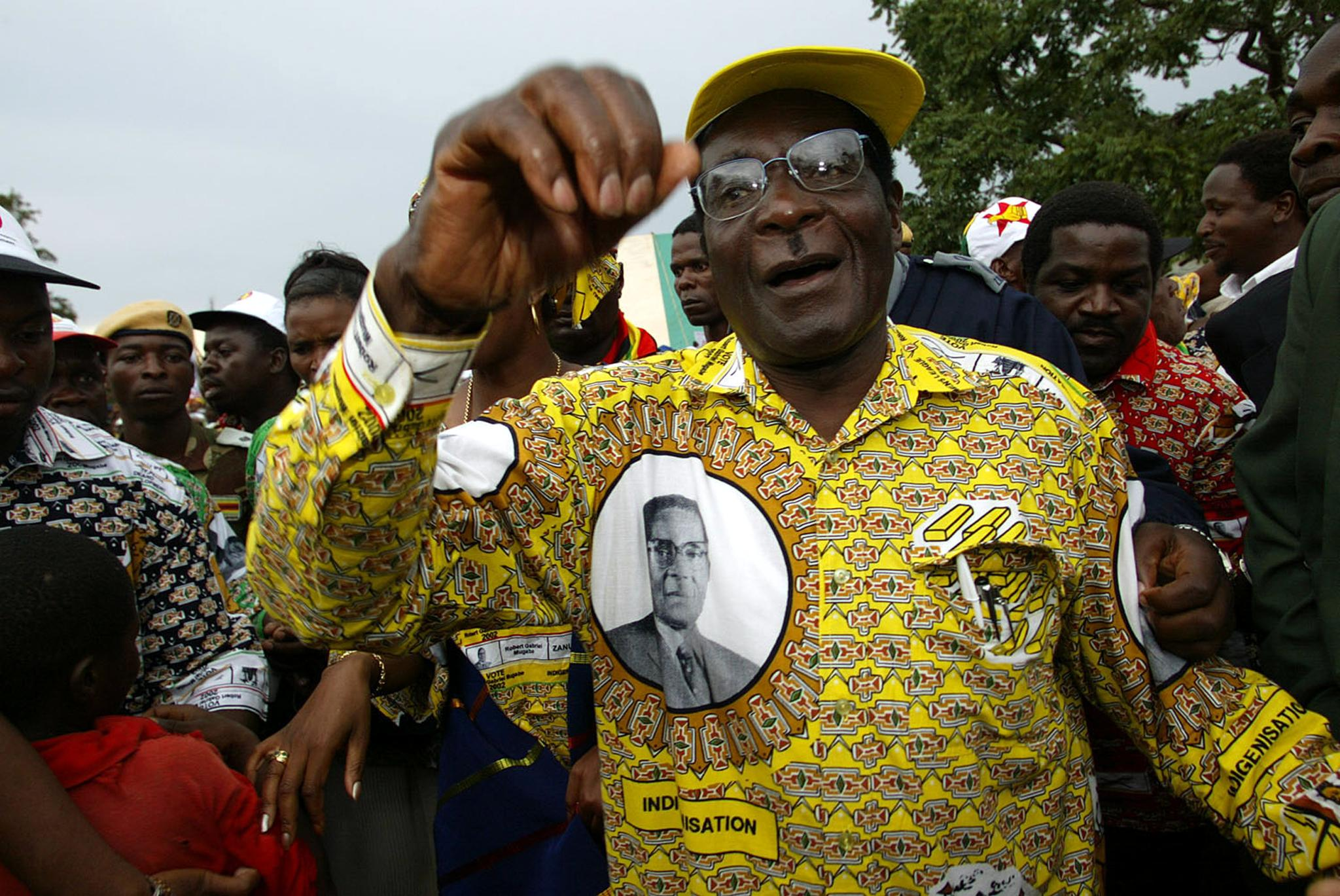 Photo_Web_Mugabe10_151117