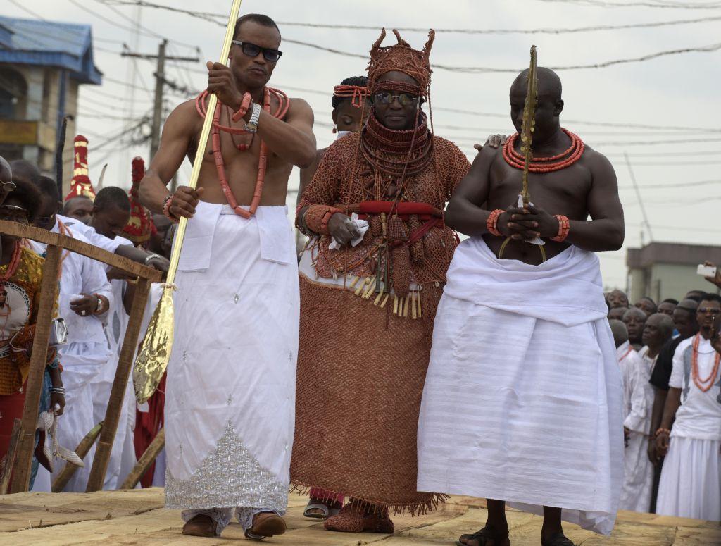 Nigeria crowns new king of Benin | eNCA