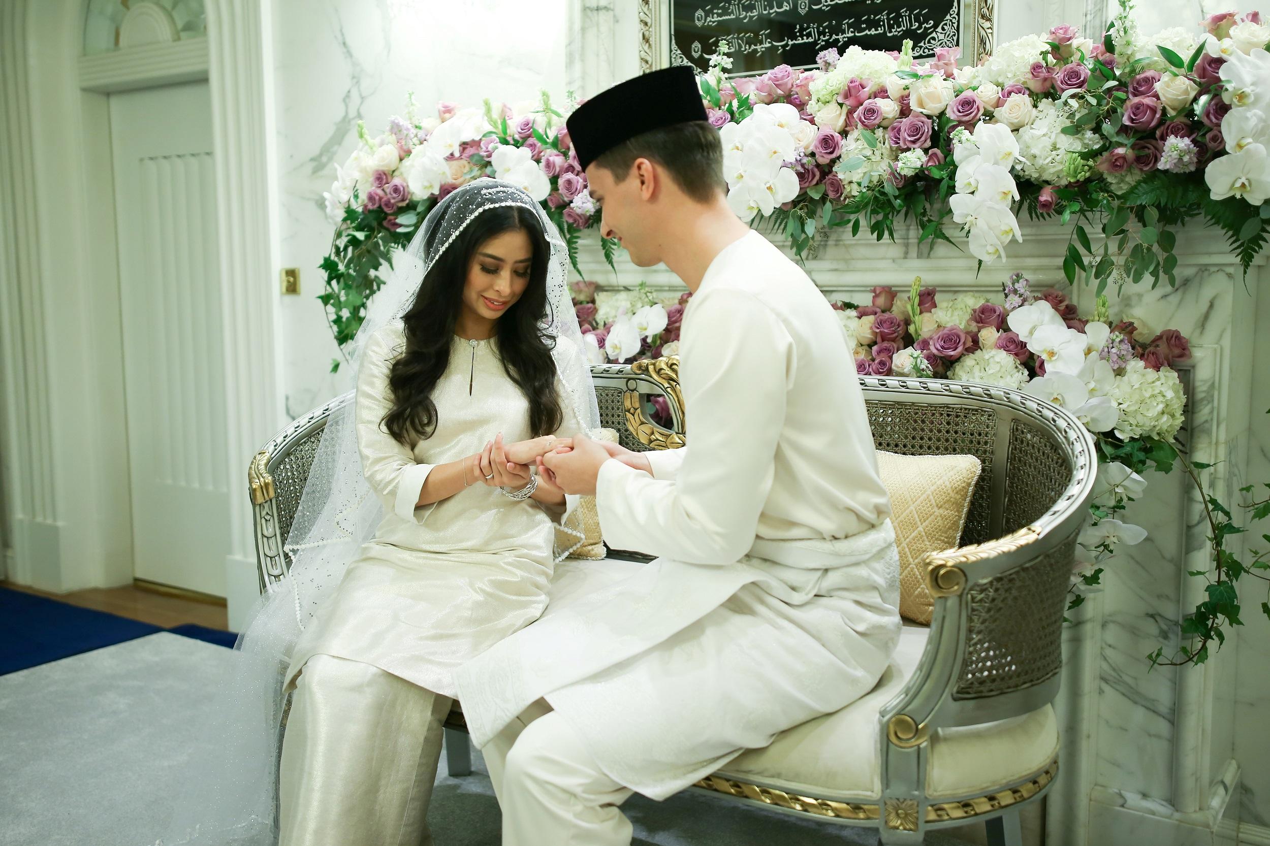 life/malaysian-princess-marries-dutchman-in-lavish-ceremony