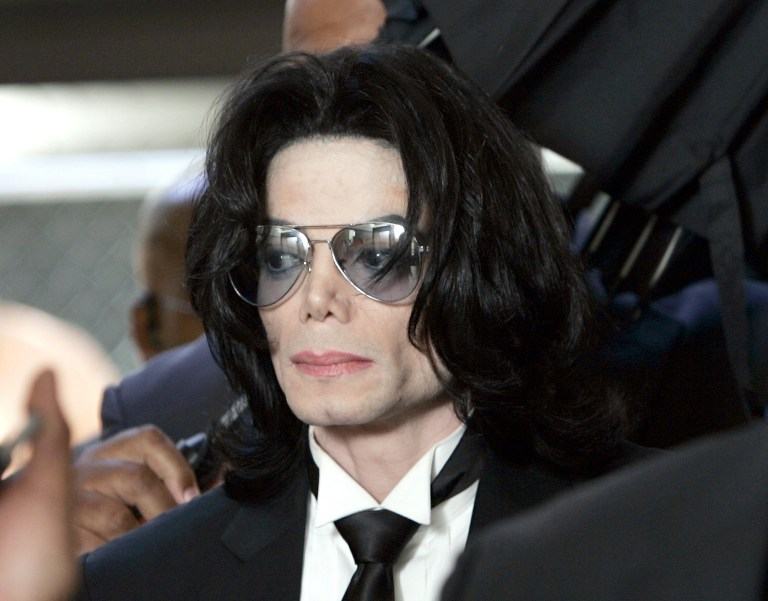 Web_photo_michaeljackson_13jun2005