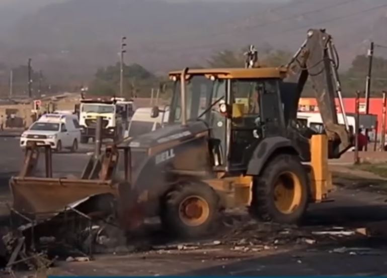 File: Residents of Kanyamazane in the Mbombela Local Municipality have vowed to continue protesting over plans to stop a project to fix their homes.