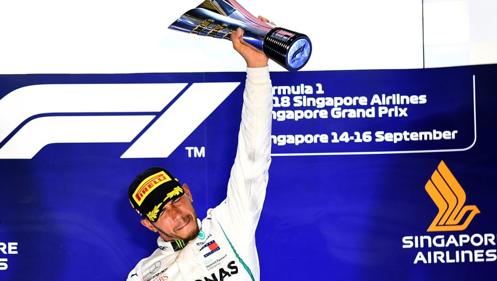 F1: Hamilton extends title lead with Singapore GP triumph