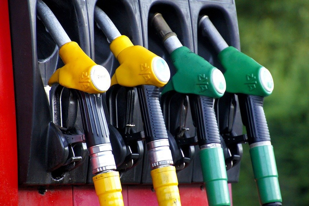 Petrol price goes up by 5 Rs to 97.83/litre