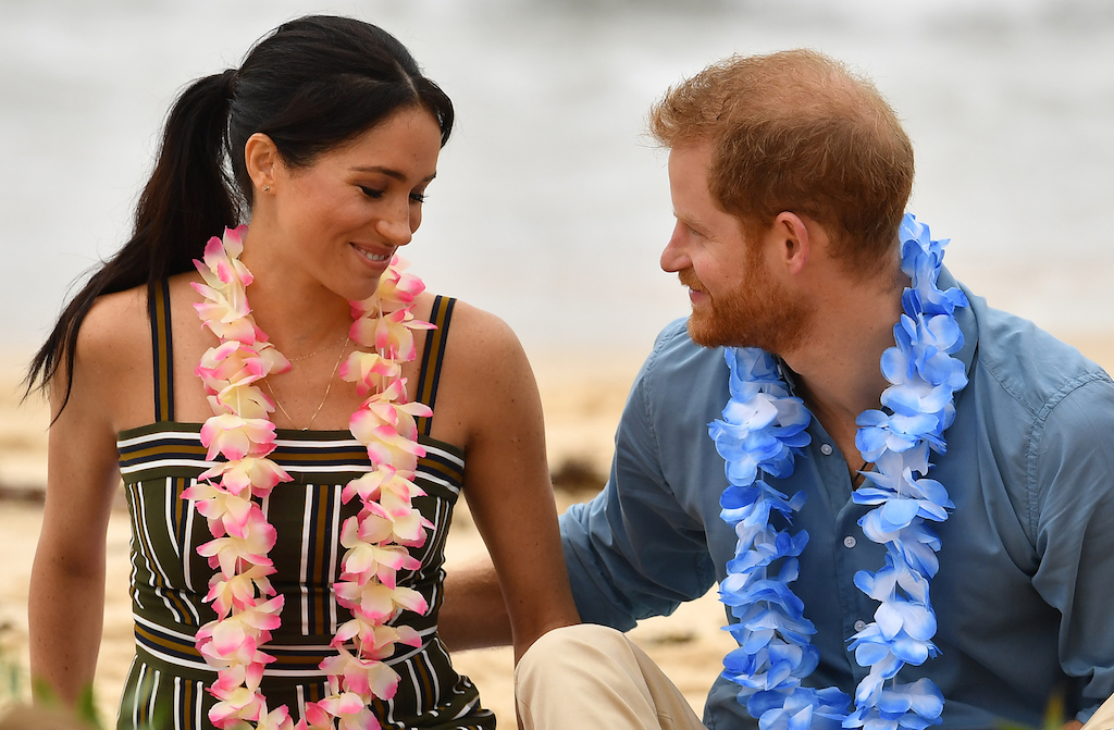 Prince Harry & Meghan Markle Go Barefoot At The Beach