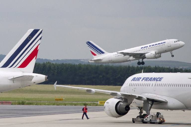 Air France announces 7,500 layoffs as coronavirus hammers aviation industry