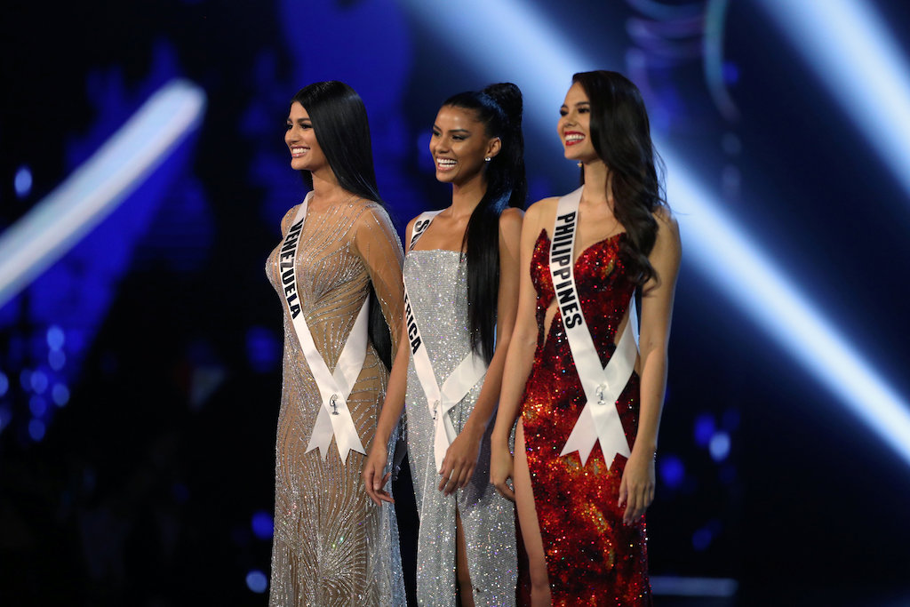 Miss Venezuela Sthefany Gutiérrez, Miss South Africa Tamaryn Green and Miss Philippines Catriona Gray before the crowning.