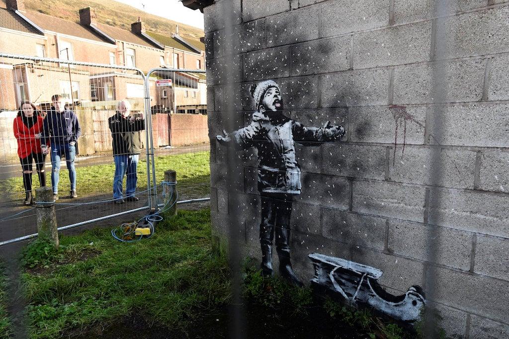 Banksy Snow Pollution Mural Sold For Over 130 000 Enca