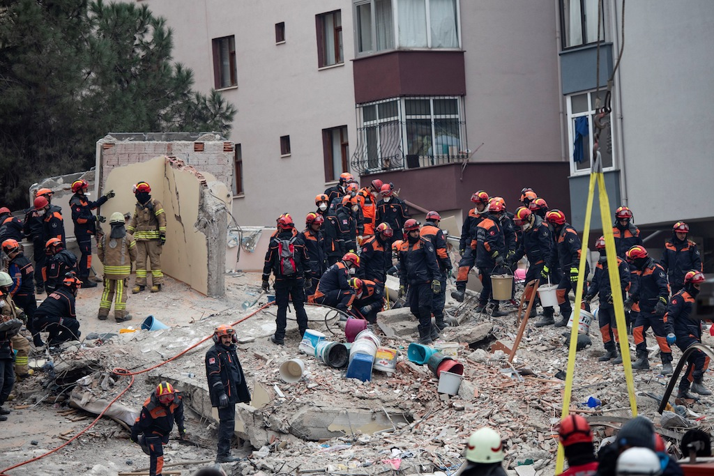 Turkey Building Collapse Death Toll Rises To 18 Enca