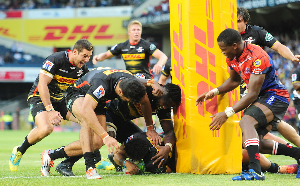 c62a8cbbf1d Herschel Jantjies of the Stormers scores a last minute match winning try  during the 2019 Super