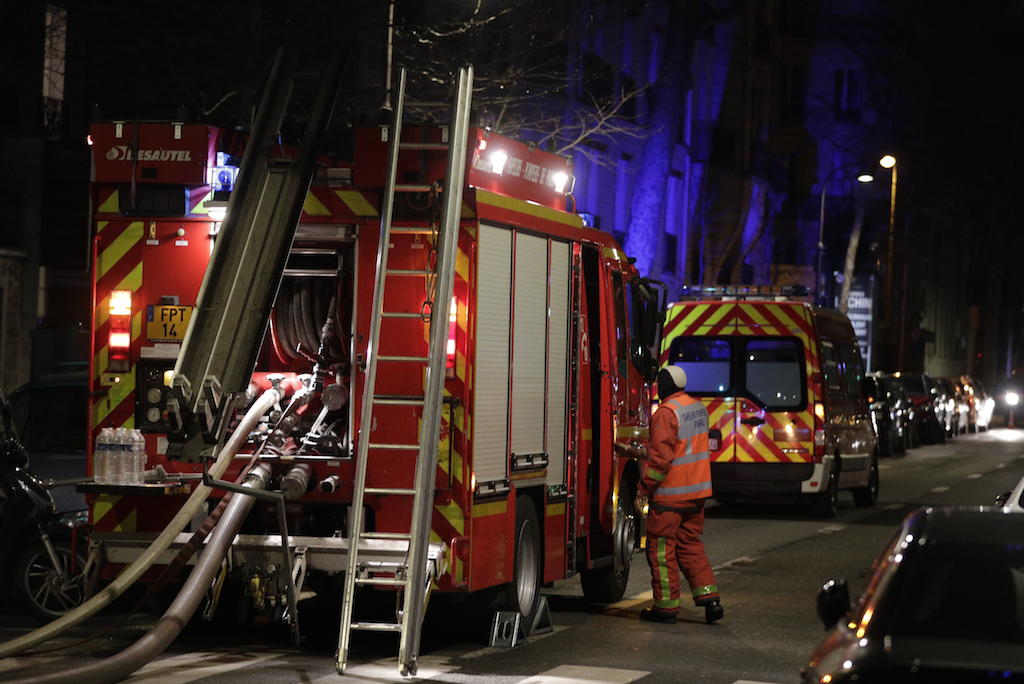 Seven dead in Paris building blaze: fire service