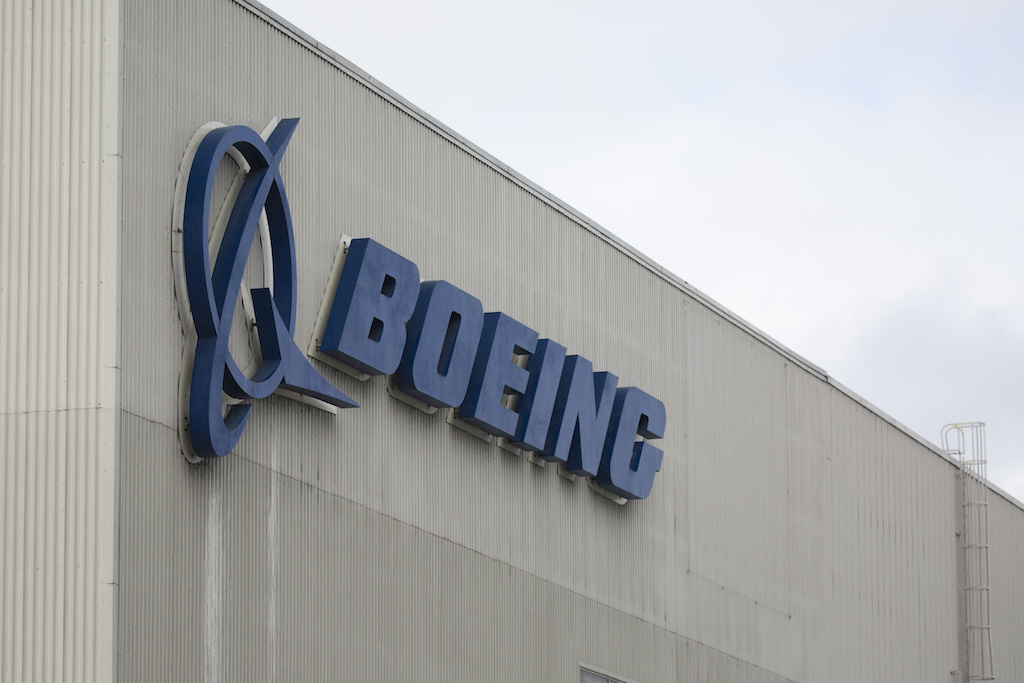 Boeing is going through one of the most serious crises in its history because of two crashes involving one version: the 737 MAX 8.