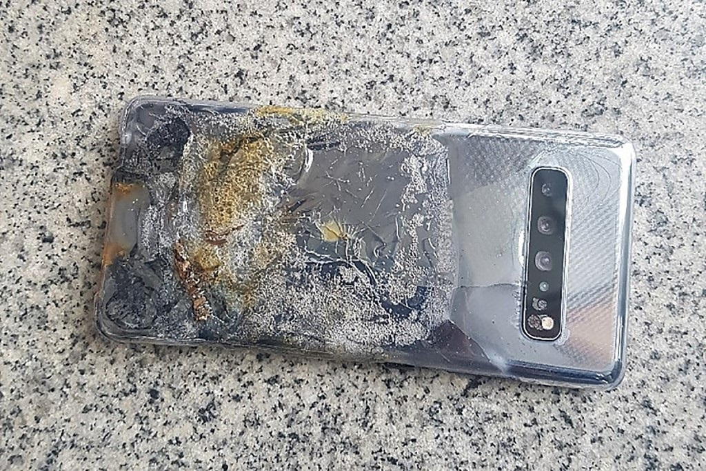 This undated handout provided on April 30, 2019 by a Samsung smartphone user shows a damaged Galaxy S10 5G device on South Korea's southern island of Jeju.