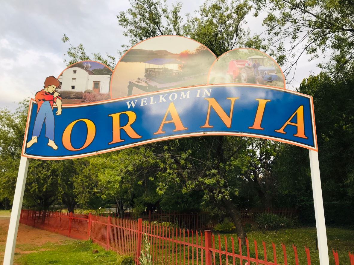 A sign welcoming people to the town of Orania