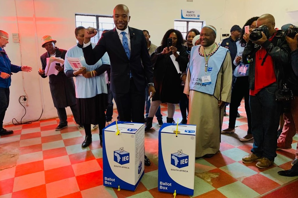Mmusi Maimane casts his vote in 2019 Election