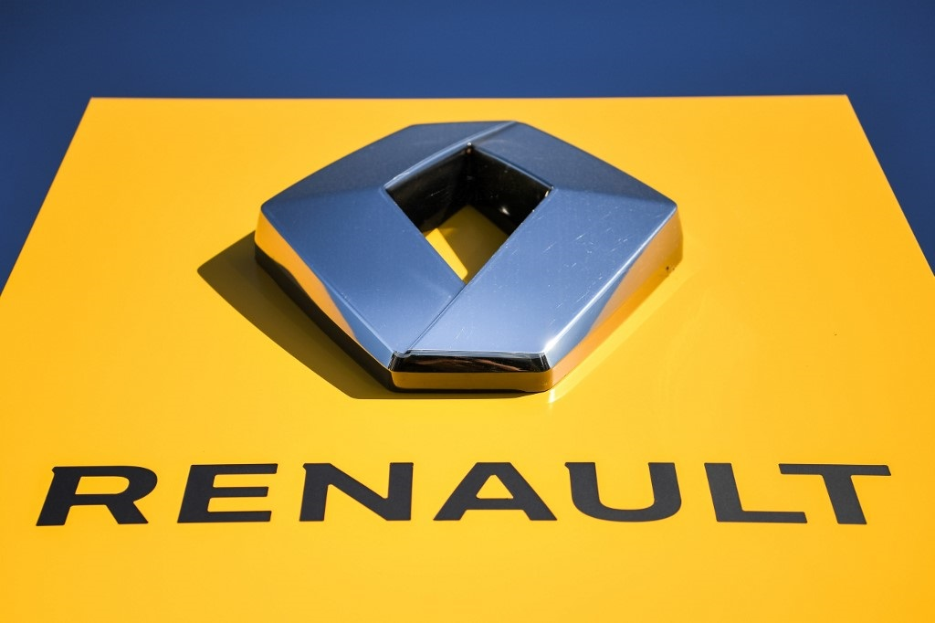 A picture taken on July 8, 2019 in Savenay, western France, shows the logo of French automobile maker Renault.