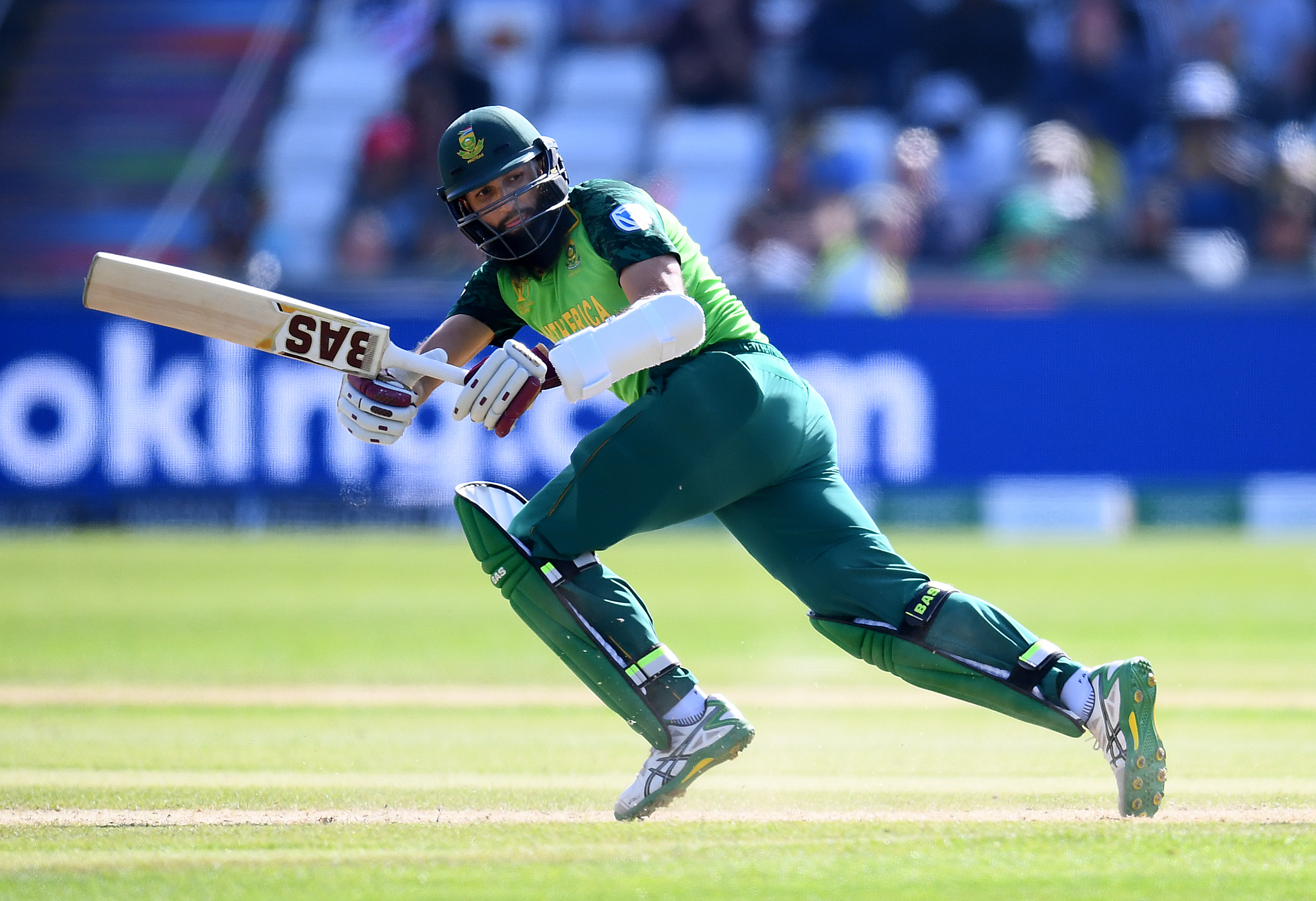 Proteas batsman Hashim Amla has announced his retirement from international cricket.