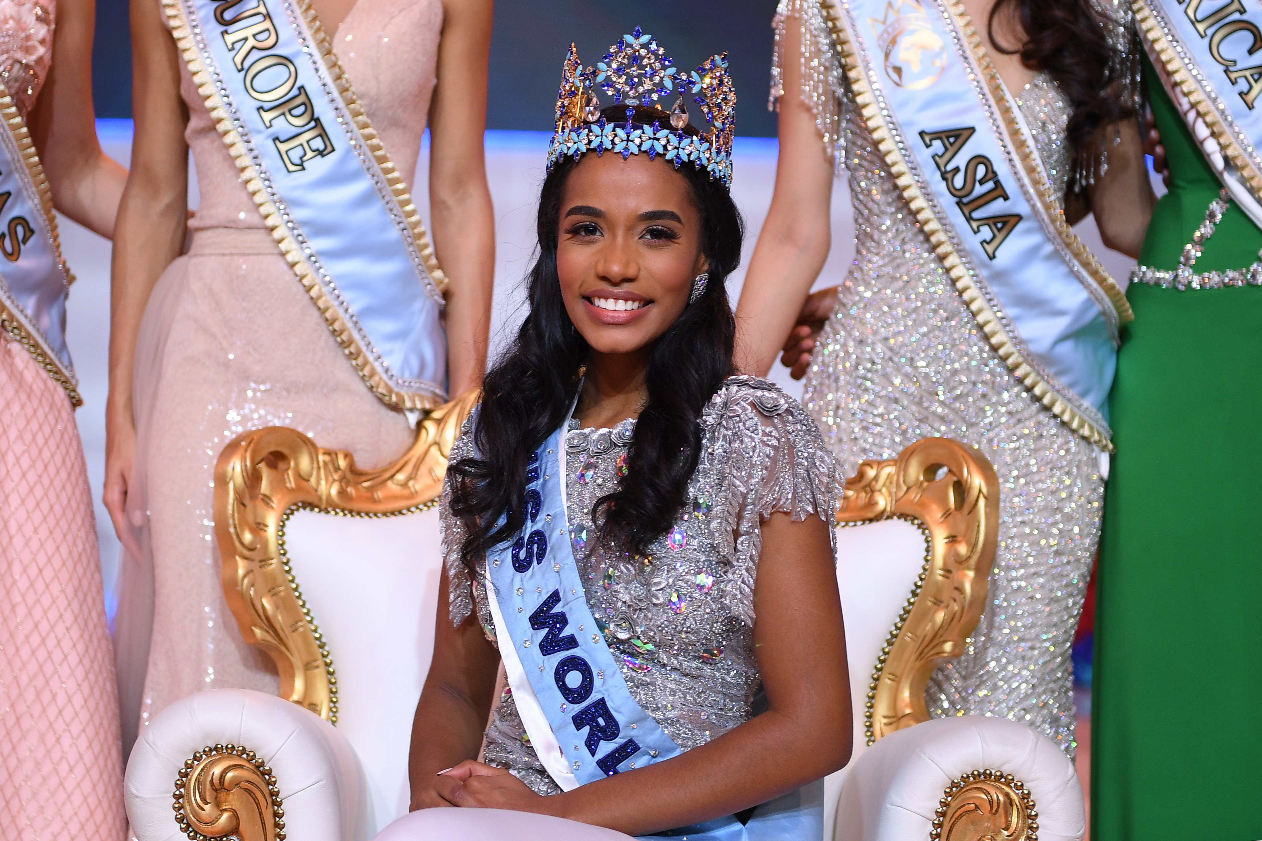 miss jamaica crowned miss world 2019 enca. Black Bedroom Furniture Sets. Home Design Ideas