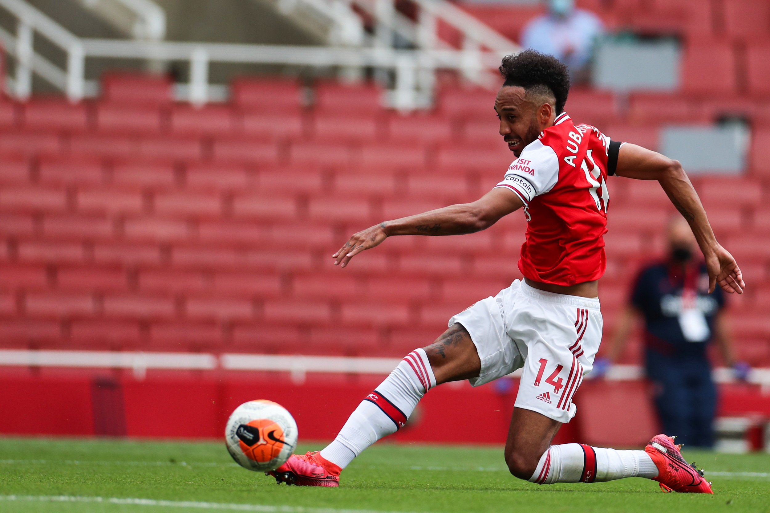 Arsenal captain Aubameyang signs new three-year contract ...