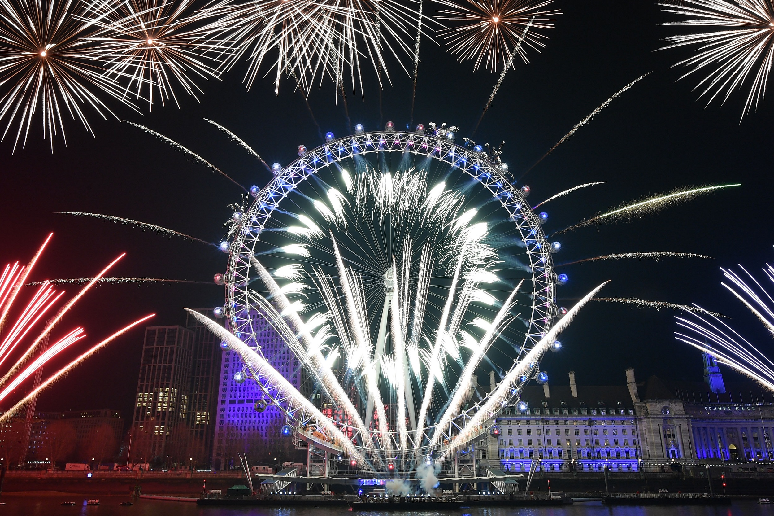 London New Year's Eve fireworks cancelled due to coronavirus pandemic