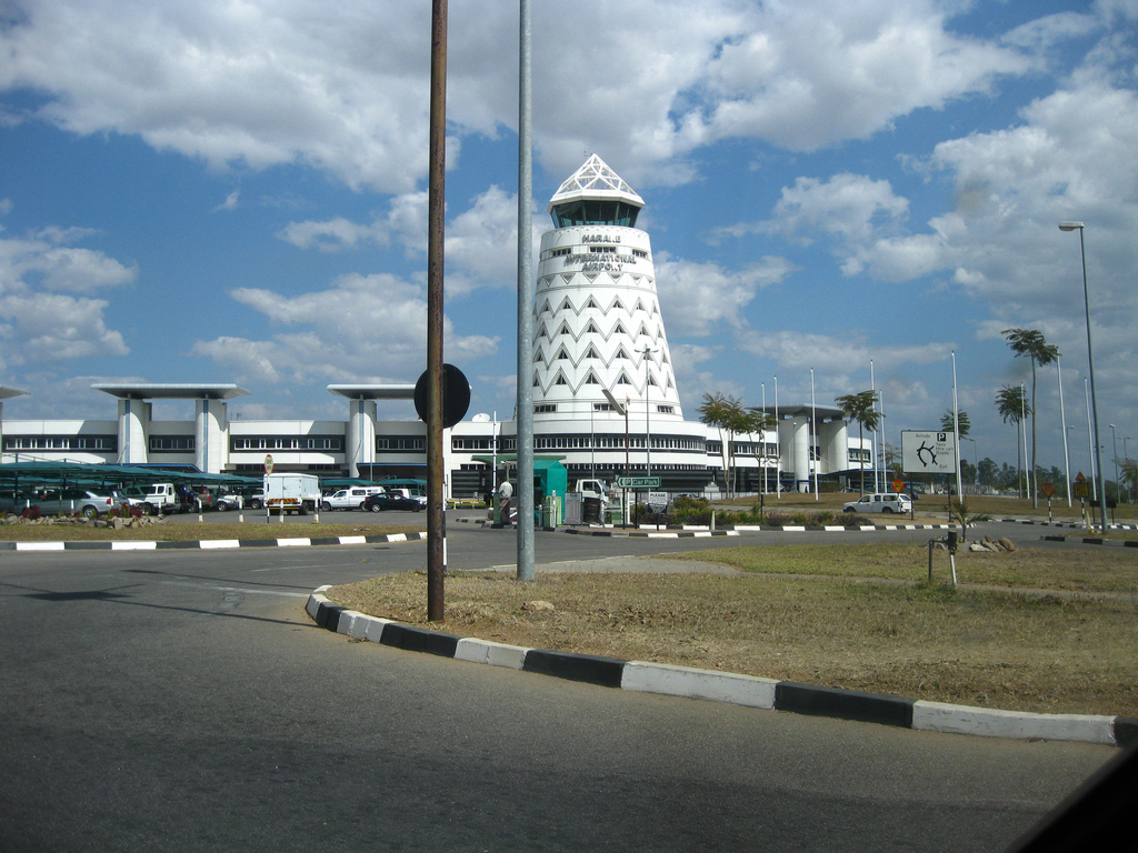 web_photo_Harare_airport