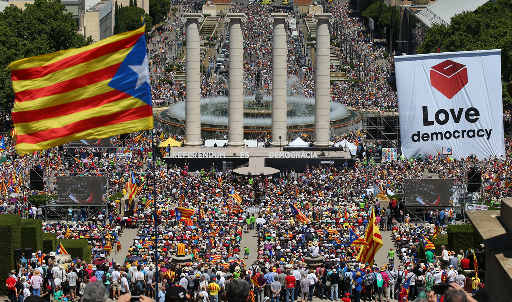 web_photo_Catalan_rally_Barcelona_110617