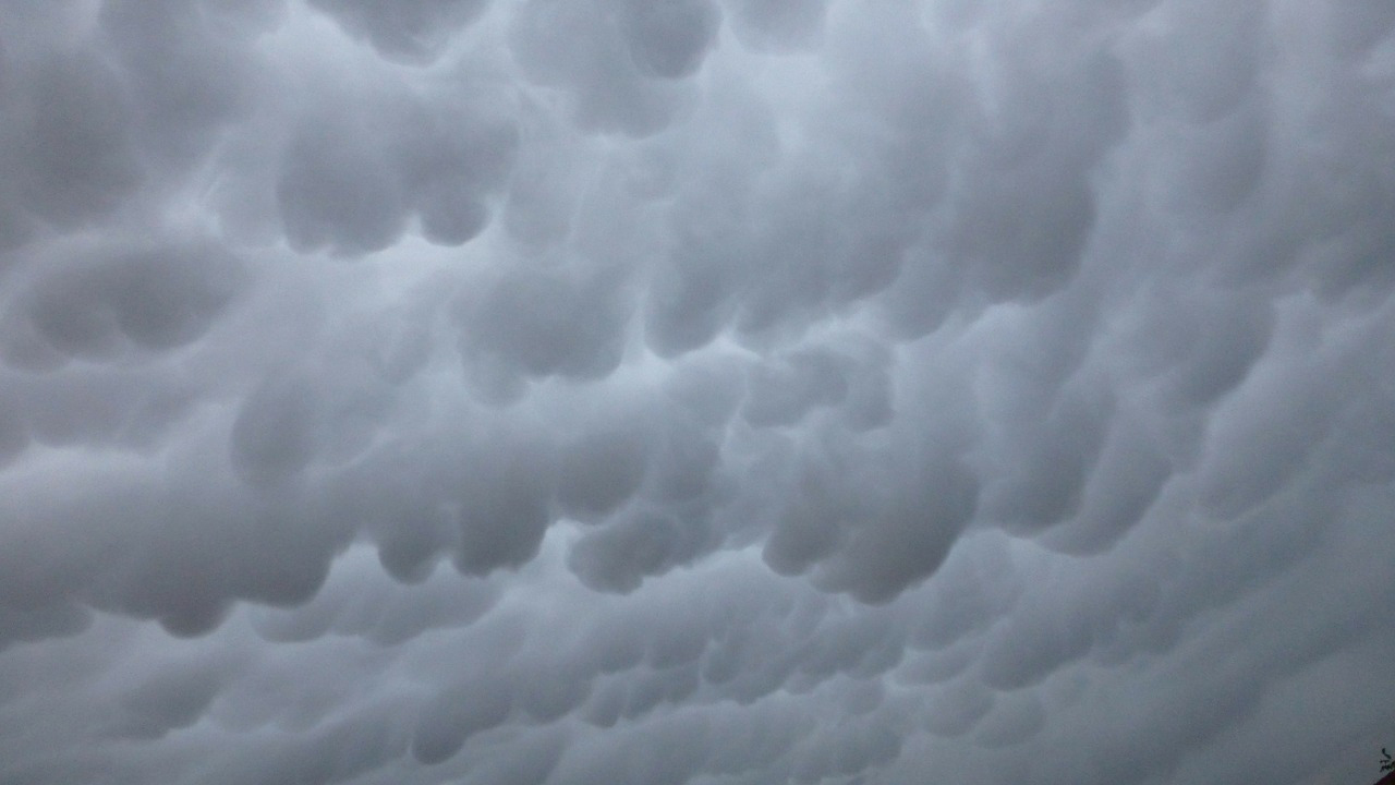 web_photo_clouds_cold_front_storm_210416