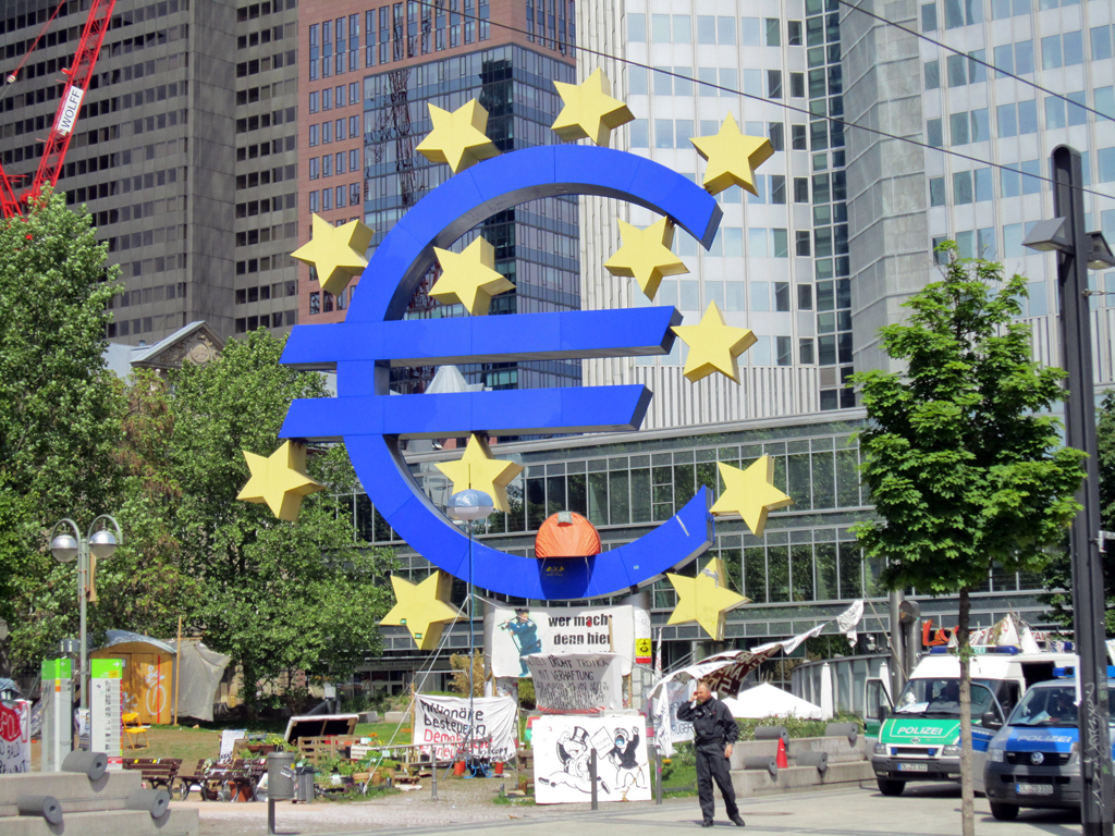 Eurozone lending to firms slows in february ecb enca for Central grill frankfurt