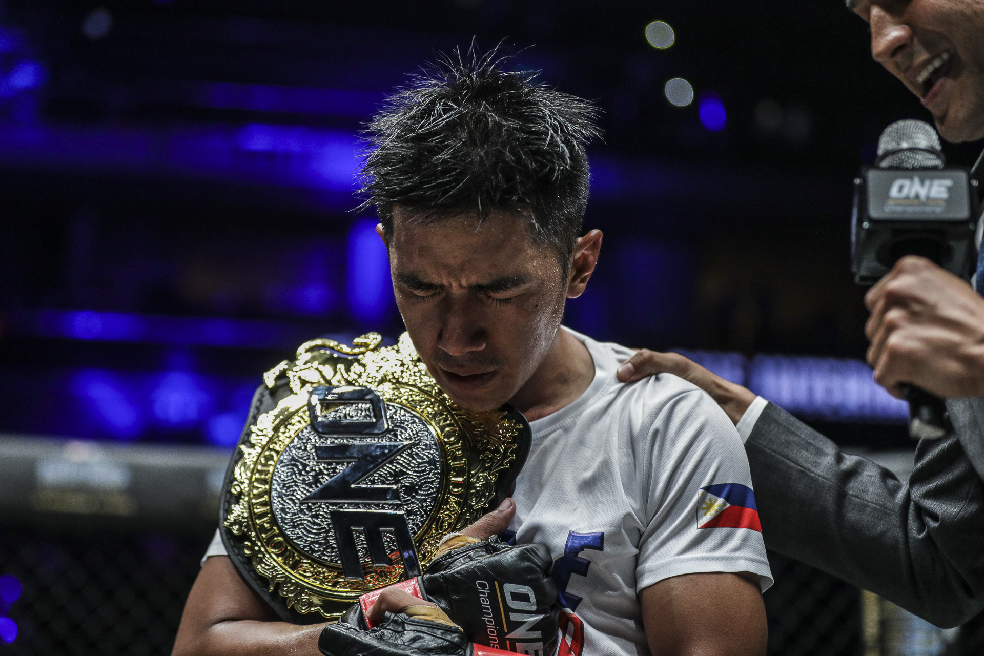 Geje Eustaquio winning the ONE Championship interim Flyweight World Championship in Manila, Phillipines on 28th Jan 2018