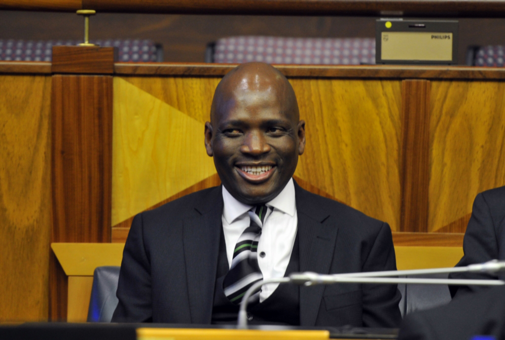 Former SABC Chief Operations Officer Hlaudi Motsoeneng has admitted that he received more than R1.1-million from Bosasa.