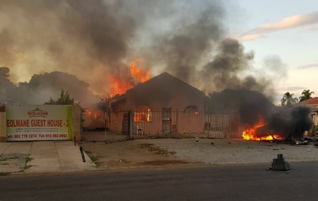 Photo_Web_Rustenburg_Fire_110118