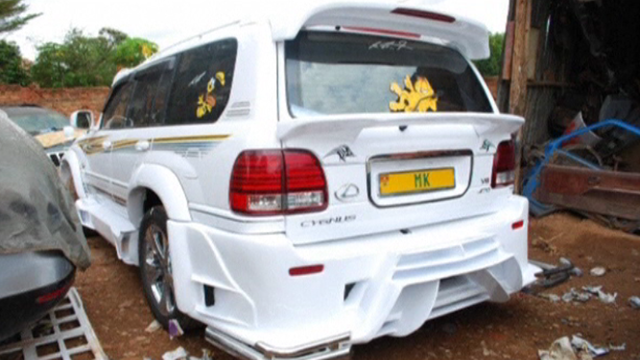 Ugandan garage transforms cars from drab to fab enca for Garage auto fab ennery