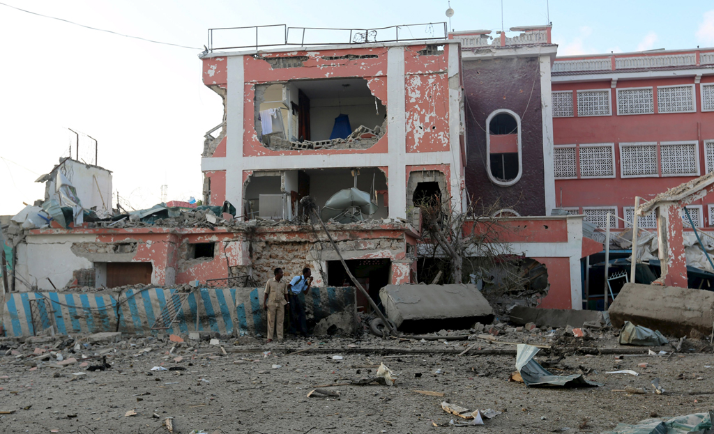 web_photo_Somalia_bombing2_011115
