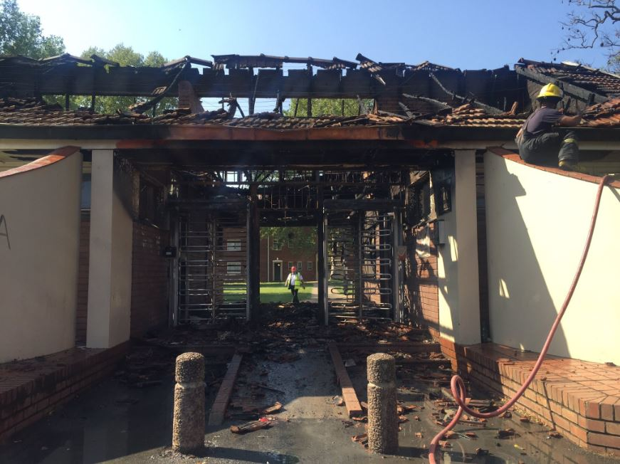 Photo_Web_UKZN_Fire_260916