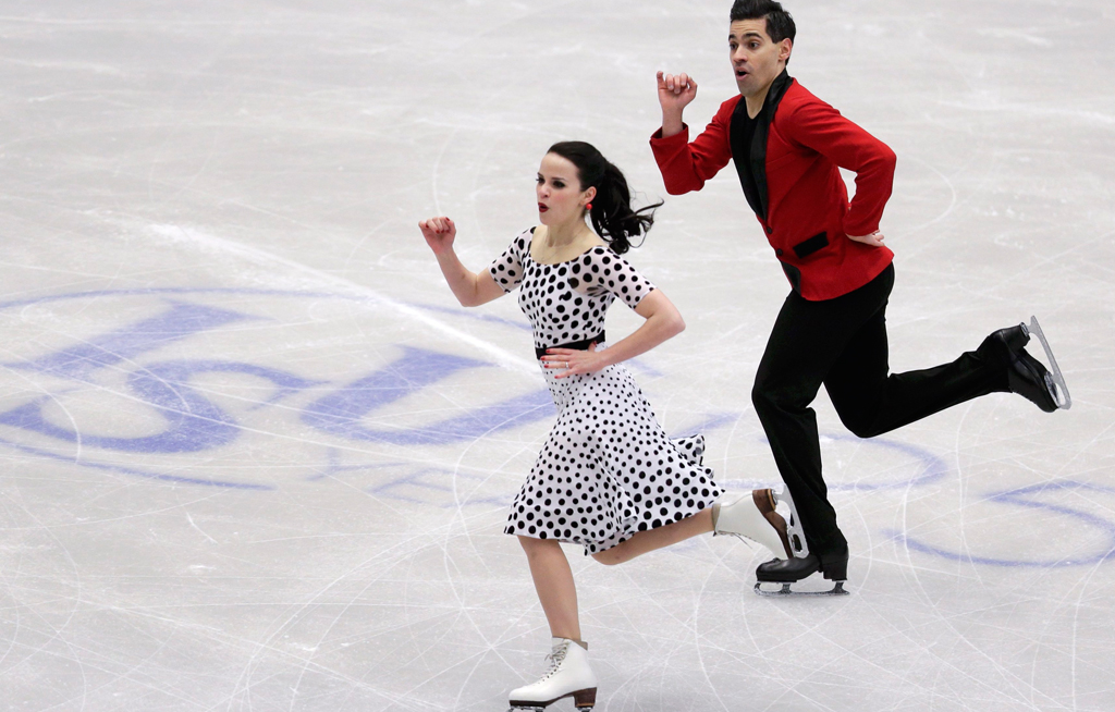 online qui la moda più votata fama mondiale Italians dance to narrow Euro lead | eNCA