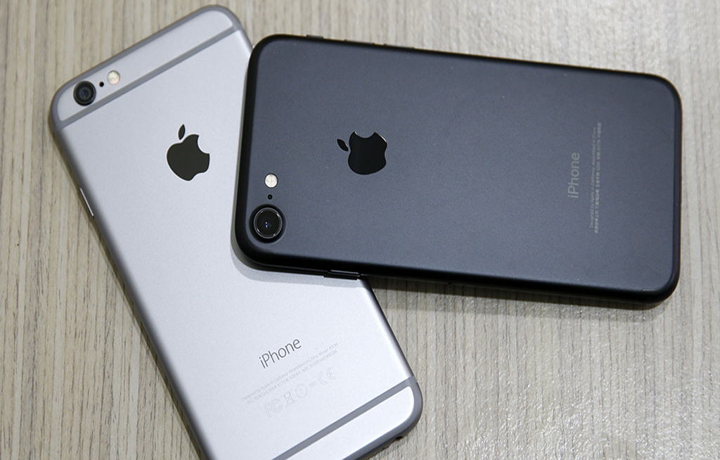 Russian man sues Apple for 'turning him gay'A