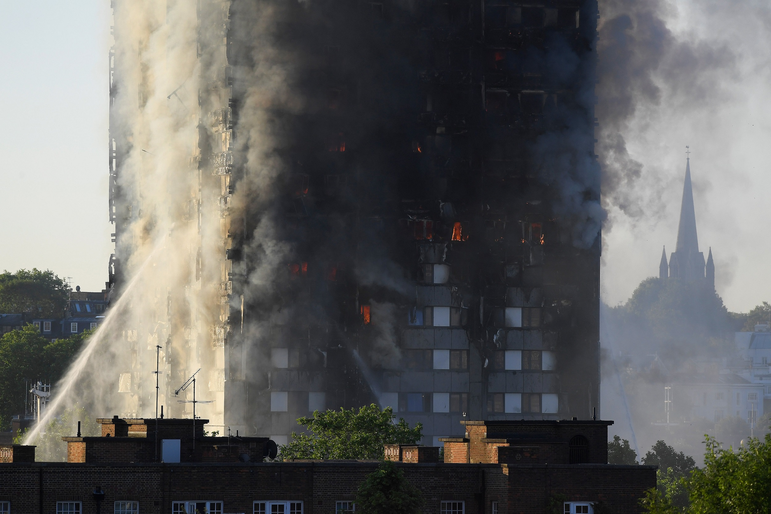 WEB_PHOTO_LONDON_FIRE_14_06_2017