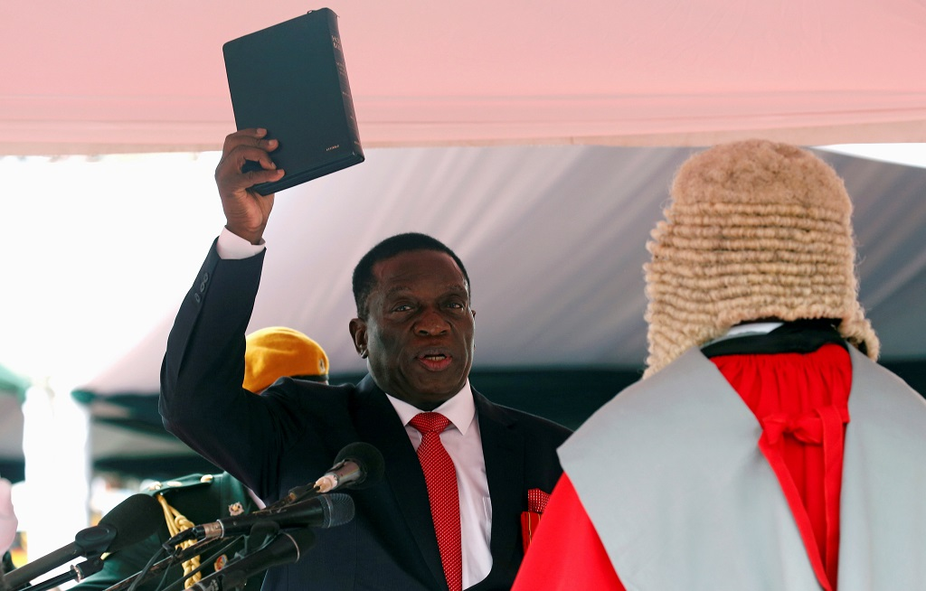 WEB_PHOTO_Mnangagwa_1_27112017