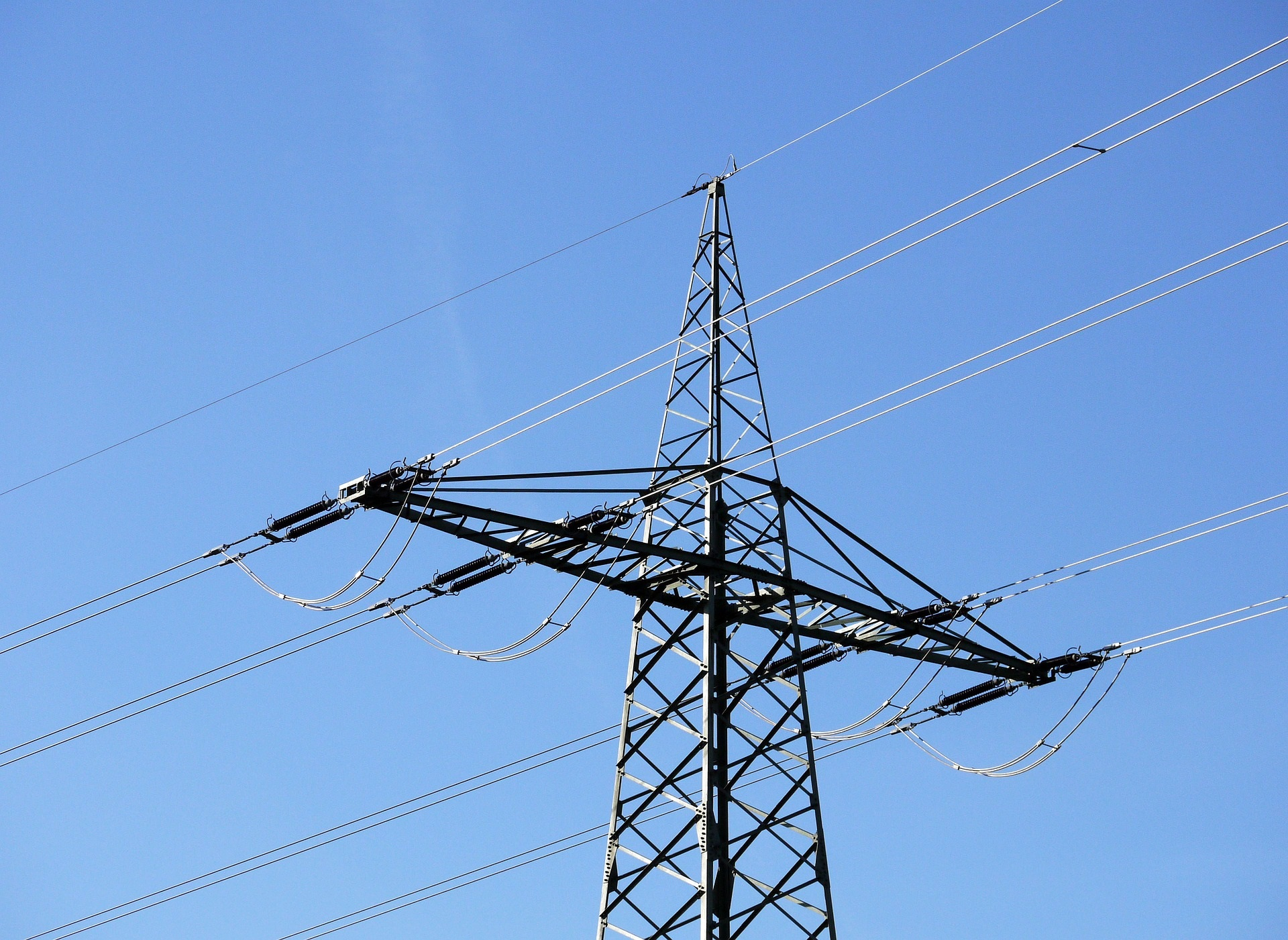 WEB_PHOTO_POWER_LINES_041217