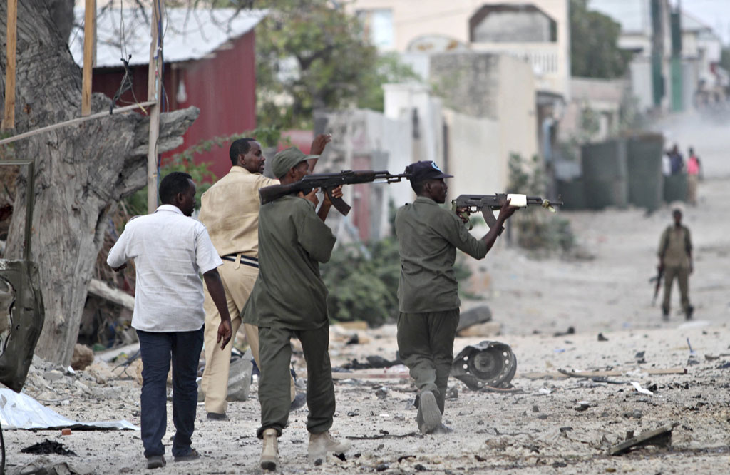 WEB_PHOTO_SOMALIHOTEL COPS_280315