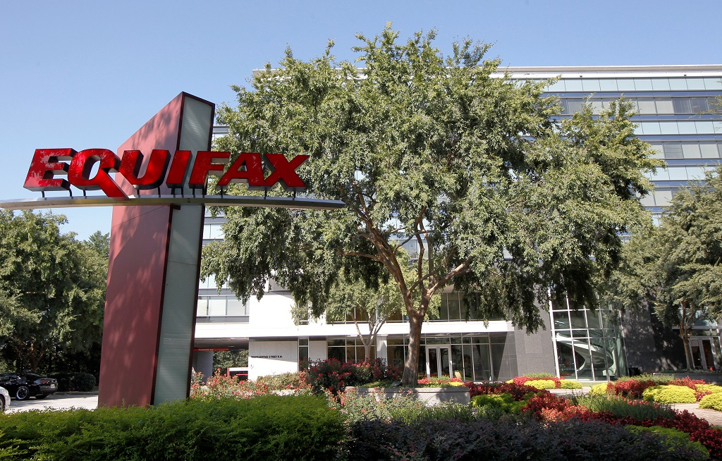WEB_PHOTO_WEST_EQUIFAX_110917