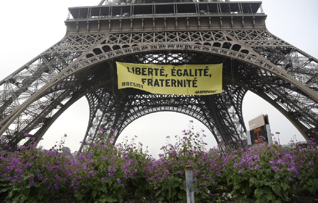 WEB_PHOT_GREENPEACE_EIFFEL_TOWER_20012018
