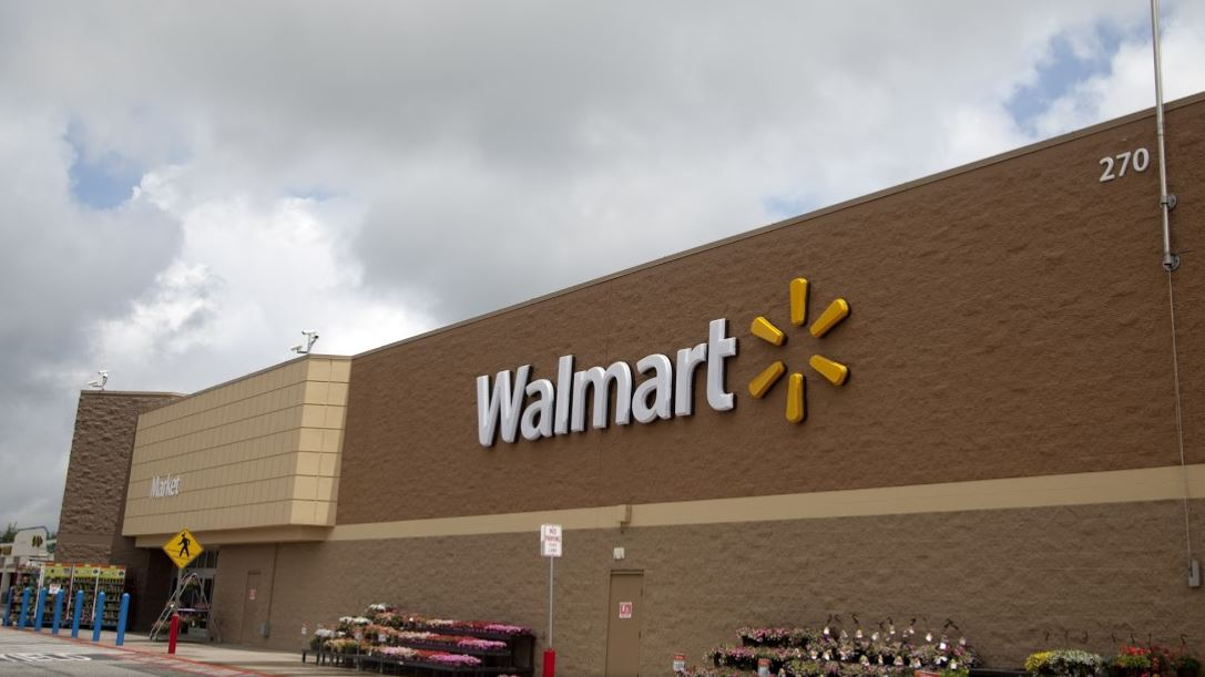 Despite deadly shootings, Walmart won't stop gun sales
