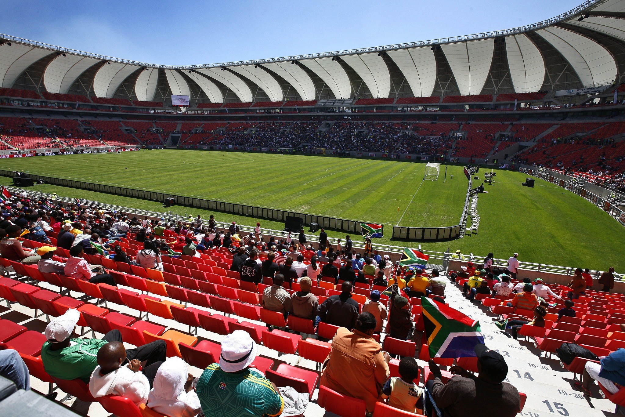 web_photo_Nelson_Mandela_Bay_Stadium_09052015