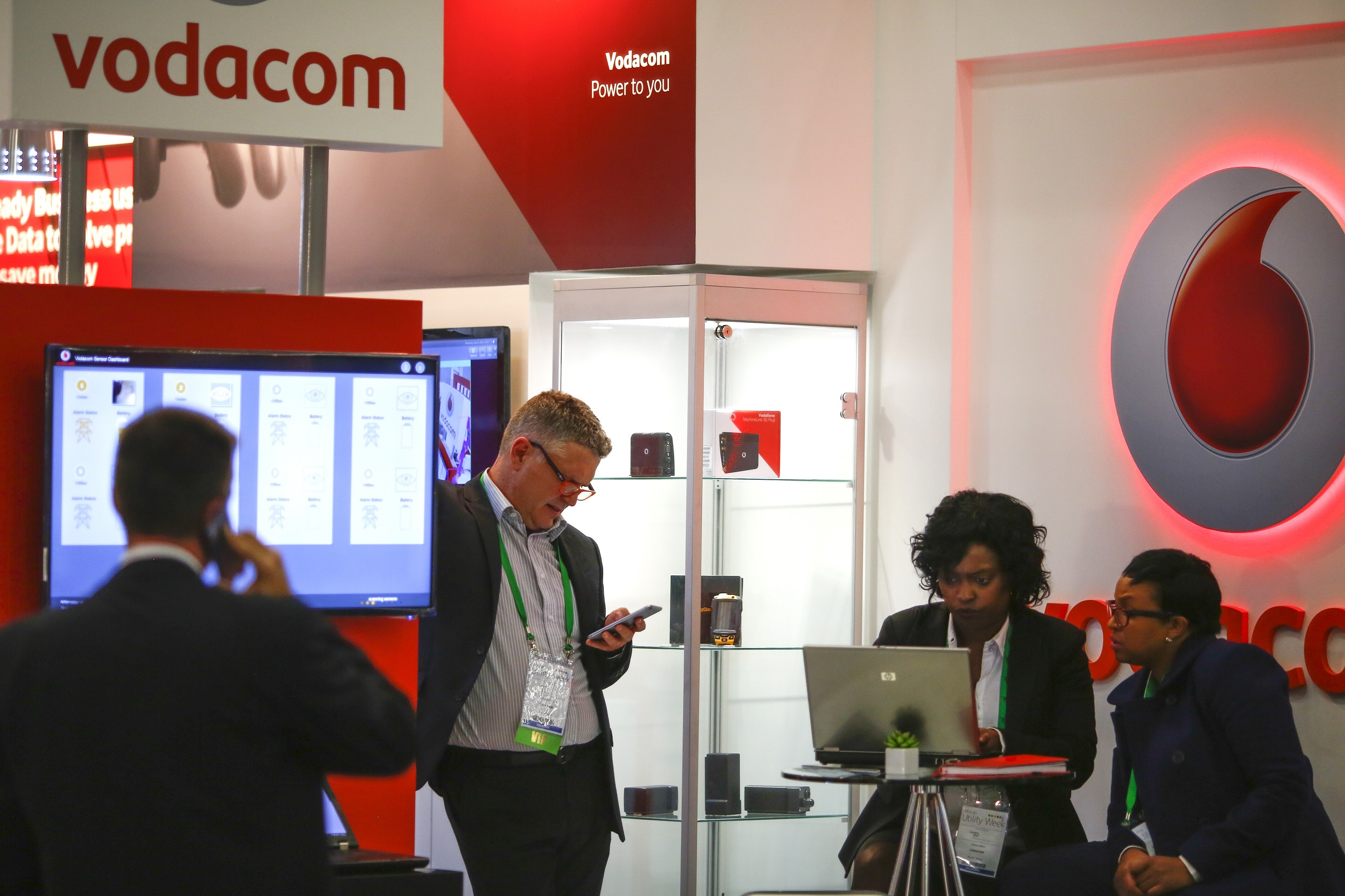 Vodacom seeks partner for fibre   eNCA