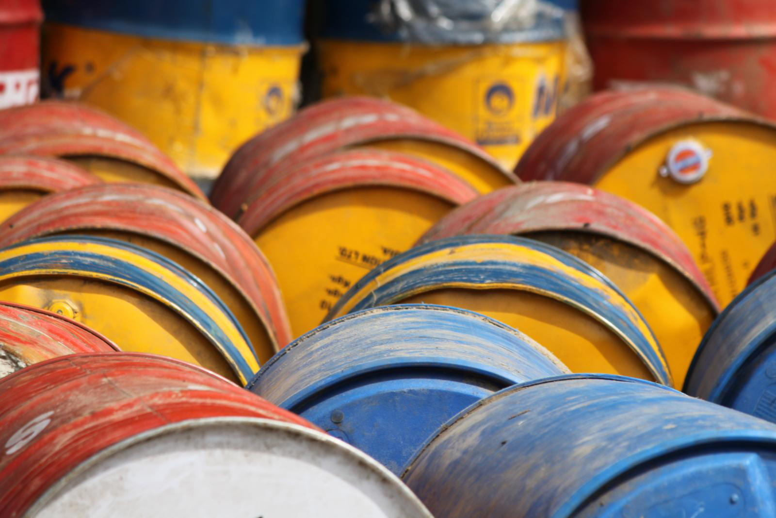 web_photo_oil_drums_101016