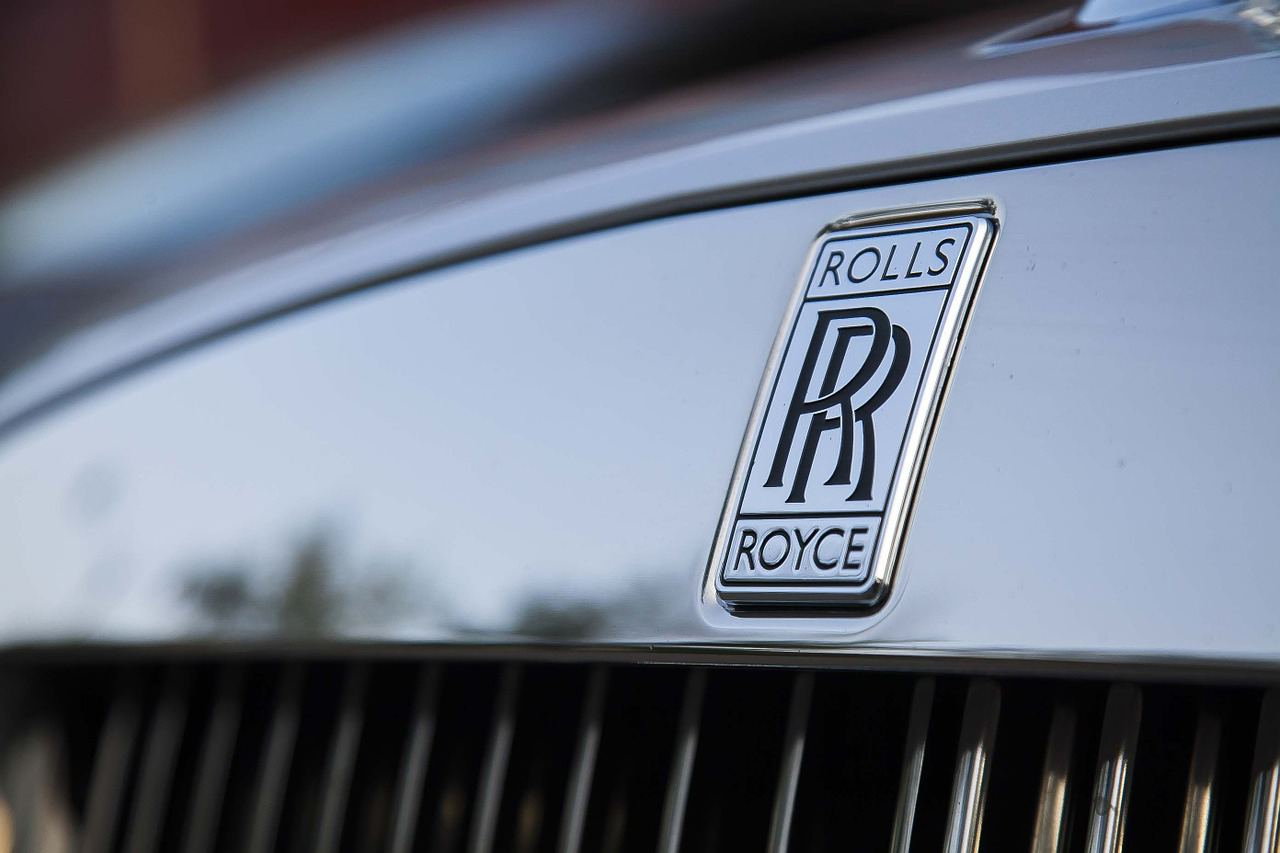 Rolls-Royce takes £1.4bn hit on troubled plane engines