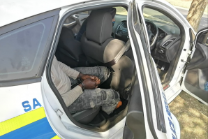 Suspected cash in transit robber is arrested in Dawn Park, Bokburg.