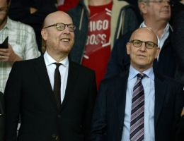 Manchester United co-chairman Joel Glazer (R) with his brother and fellow owner Avram Glazer (L)
