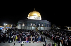 Israeli security forces deploy in Jerusalem's Al-Aqsa mosque compound during clashes with Palestinians